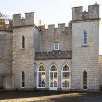 Southwell Chateau Sleeps 20 with Pool
