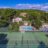 Cala Mesquida Apartment Sleeps 4 with Pool Air Con and WiFi