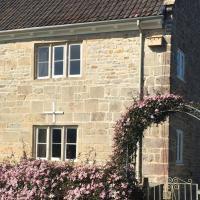 16 Century Farmhouse Cottage, foothills of iconic Glastonbury Tor.