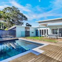 Stunning Modern 4BR House with Private Pool, Roof Deck & Stunning Ocean Views, hotel em Yaroomba