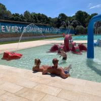 Camping Resort-Bungalow Park Mas Patoxas, hotel a Pals