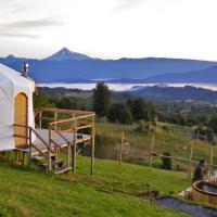 Yurts del Taique ~Mirador~, hotel en Puyehue