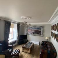 Clan Young Suite
