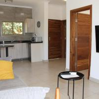 !! The ranch - Superb serviced apartment with garden, hotel in Lusaka