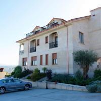 VILLA ANDURIÑA, casa con piscina calefactada, hotel near Vigo Airport - VGO, Mondariz