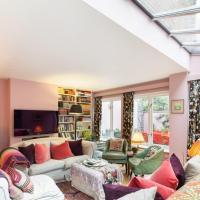Lovely 4-Bedroom House near Portobello