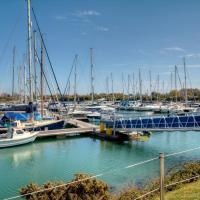 Pass the Keys Stunning Luxury Marina Apartment, sleeps 6, hotel in Portsmouth