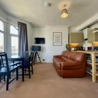 2 Bed Apartment, 4 People by Hospital & University + Free Parking