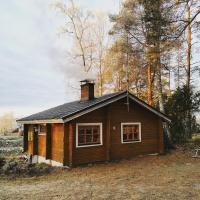 Pinetree Cottages, log cabin