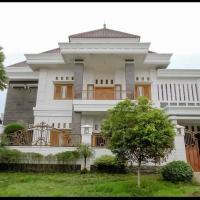 Daffi Syariah Araya, hotel near Abdul Rachman Saleh Airport - MLG, Malang