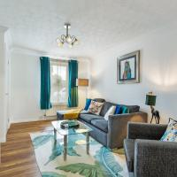 Serenity Stays- Highwoods House- A lovely 2 bed zoo themed house sitting towards the north of Colchester