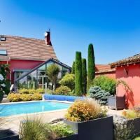 Holiday home with Swim P & private bond Burgundy