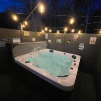 Tigers Wood - luxury hot tub lodge with free golf for guests