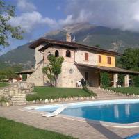 Ripe Villa Sleeps 6 Pool WiFi, hotell i Le Ripe
