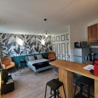 Jungle studio Gex - Ski - Netflix, hotel in Gex