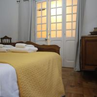 Antique, Amazing double room in Marques de Pombal Room 1