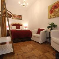 Nice and comfortable double room with private Patio, Central Lisbon