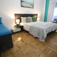 Large double room in Lisbon, Marques de Pombal Room 4