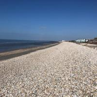 Holiday house within 5 min walk from Bracklesham Bay beach