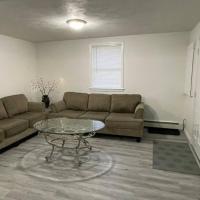 Home away from home Beach,Logan,Encore, DownTown, hotel in Revere