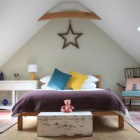 Wonderfully Spacious Luxury Holiday Cottage, hotel in Billingshurst
