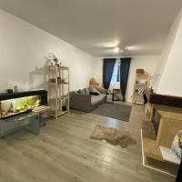 Bedroom in a house/ Chambre dans une Maison