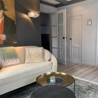 Wetterhûske - Huisje aan de gracht, hotel in Franeker