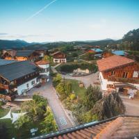 Pineta Natural Chalet, hotel in Coredo