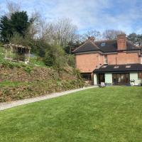 Stunning 4-Bed House in Devon 10 mins from Beach