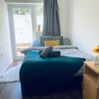 5-Bed 5-Ensuite Coventry Walsgrave M6 M69, hotel in Coventry