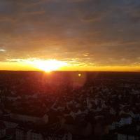 Über den Wolken und super zentral zwischen Frankfurt und Darmstadt - 100qm, hotel in Langen