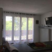 studio lumineux avec terrasse
