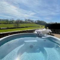 Priesthill at Harthill Hall own Hot Tub 8am-10pm, private use of indoor pool and sauna 1 hour per day