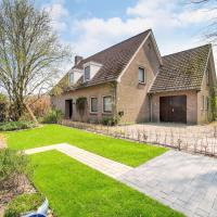 Spacious Holiday Home in Nieuwkuijk with Terrace