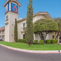 Motel 6-Dallas, TX - Market Center, hotel near Dallas Love Field Airport - DAL, Dallas