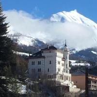 Un séjour dans un château en montagne été et hiver, hôtel à Jausiers