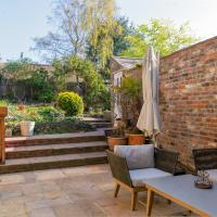 GuestReady - Luxury Oasis 5BR Home with Private Garden