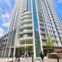 LUXURY SKY-HIGH MODERN APARTMENT IN CITY CENTRE!