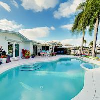 Exceptional Vacation Home in Dania home, hotel near Fort Lauderdale-Hollywood International Airport - FLL, Davie