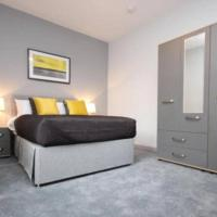 Beautiful full house en suite bedroom