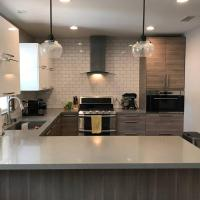 Specious New 3Br/2B Home, Great Patio, Huge Garden, Best Location, hotel in Los Angeles