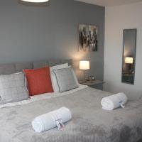 Berwicks House - NEC & Airport - Stylish 3-bed house with garden