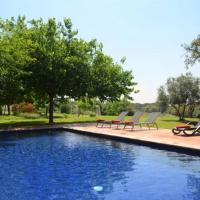 Villa in Vilademuls Sleeps 12 with Pool, hotel in Vilademuls