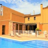Villa in Cantallops Sleeps 6 with Pool and Air Con, hotel en Sant Pau d'Ordal