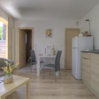 Appartement Pérouges, 1 pièce, 2 personnes - FR-1-493-312
