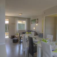 Appartement Pérouges, 5 pièces, 10 personnes - FR-1-493-245