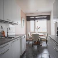 Nice and comfortable apartment, hotelli Turussa