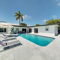 Modern Luxury Stunner - Pool, Outdoor Kitchen, Bar home