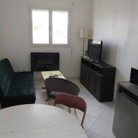 Logement 6 personnes 55m2 proche de Bordeaux, Hotel in Ambarès-et-Lagrave