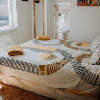 Hamilton Lodge - Cottage sleeps 8